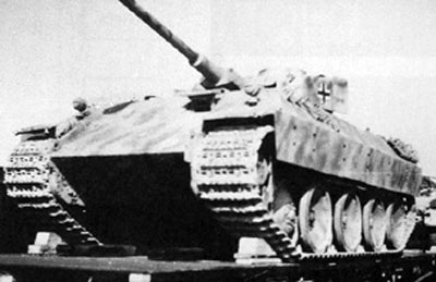 Bergepanther with stationary Panzer IV turret