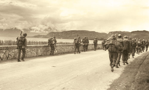 10th Mountain Division troops advancing in Northern Italy