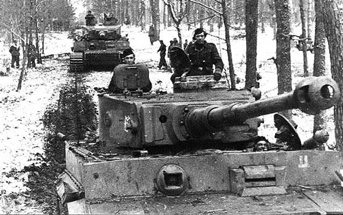 Das Reich Tiger advamce through a Eastern forest
