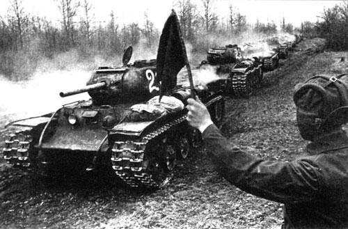 KV-1 tank column