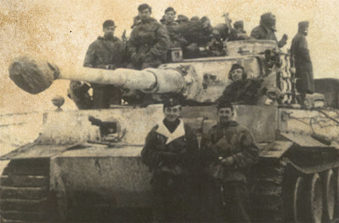 Otto Carius (left) and Oberfeldwebel Zwetti (right) in front of Zwetti's Tiger tank.