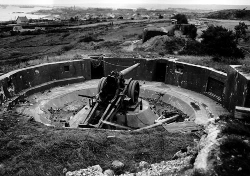 A German gun near Cherbourg
