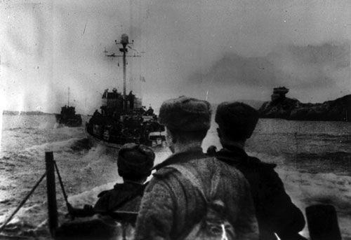 Soviets head for shore