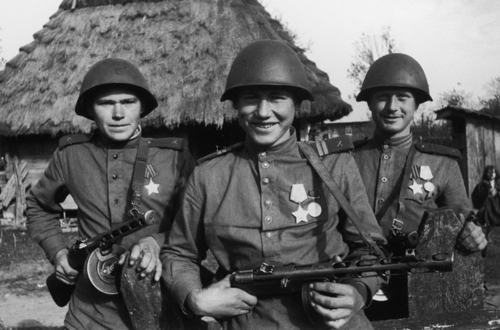 Soviet troopers liberate another village