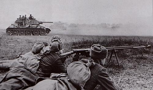 http://www.flamesofwar.com/Portals/0/all_images/Historical/Eastern-Front/Soviet-troops-03.jpeg