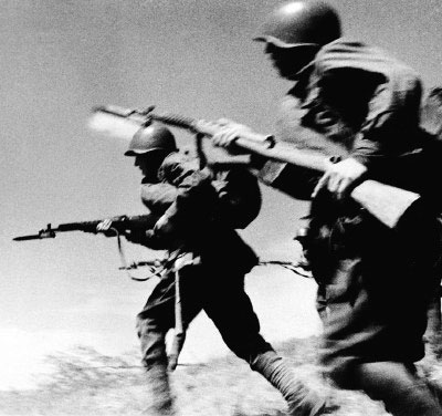 Soviet riflemen advance