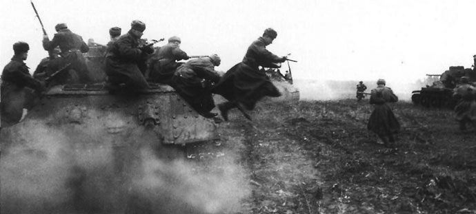 Infantry dismounting from a T-34
