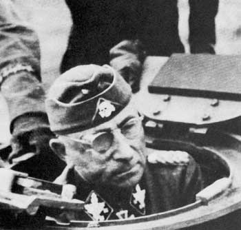 General Paul Hausser commander of the SS-Panzerkorps