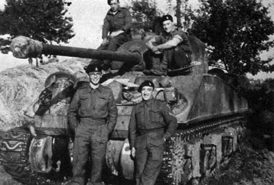 Firefly crew from the 4 Armoured Brigade (3 CLY)