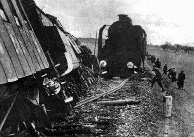 Train derailed by a Partisan operation