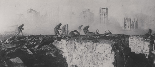 Fighting through the ruins of Stalingrad