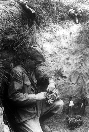 Preparing grenades