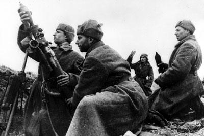 Soviet mortar team