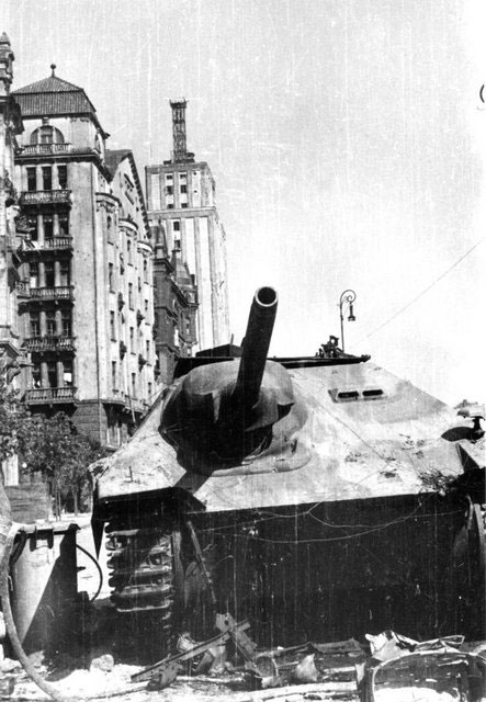 Captured Hetzer in Warsaw 1944