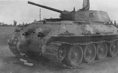 Beutepanzer T-34 mod 1941/42 showing the location of some of its identification marks.