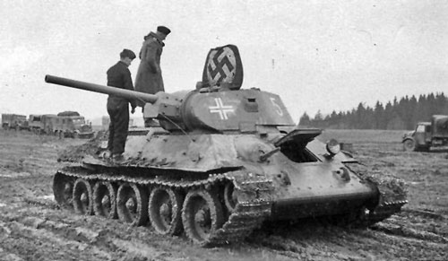 T-34 mod 1941/42 using a flag that's tied down to the top hatch of the turret.