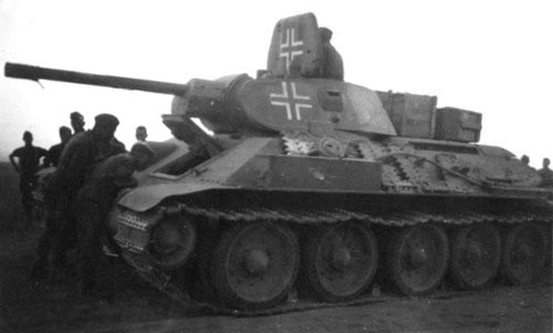 T-34 mod 1941/42 using a four-digit number on the side (Rear section) of the turret.