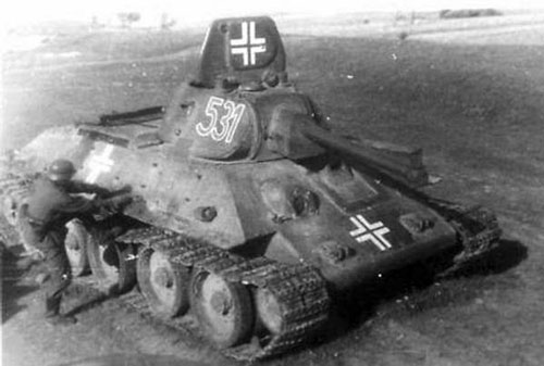 T-34 mod 1941/42 using a three-digit number on the side (Frontal section) of the turret.