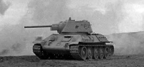 T-34 mod 1942/43 using a one-digit number on the side (Rear section) of the turret, as well as on the front panel of the tank.