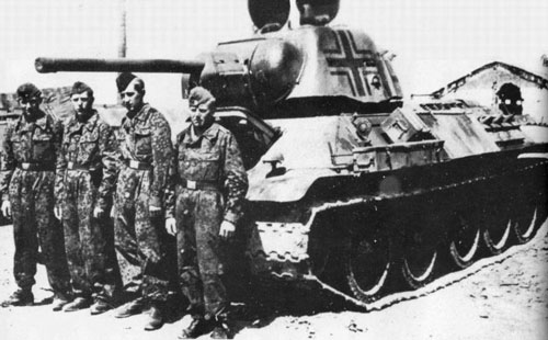 T-34 mod 1942/43 using a standard German Cross with additional black outlining.