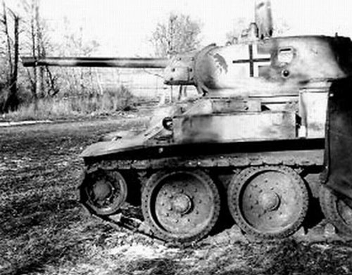 T-34 mod 1941/42 with a Divisional Insignia on the side (Front section) of the turret.