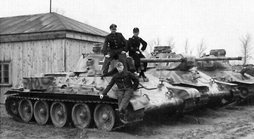 Beutepanzer T-34 mod 1941/42 with Panzer III / IV Cupola's, Notek Light's, Stowage Boxes & Antenna's