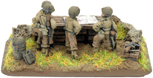 Field Artillery Battery Staff Team with Scenic Base (UBX07)