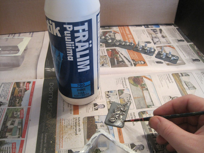 Applying the PVA glue