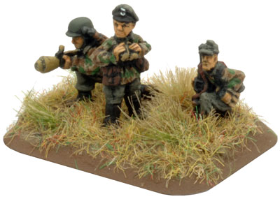 Sperr Platoon Command Panzerfaust SMG team