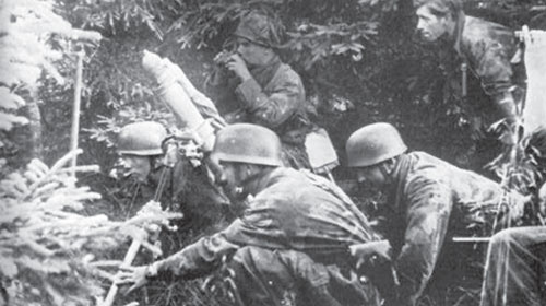 German Fallschirmjäger mortar in action